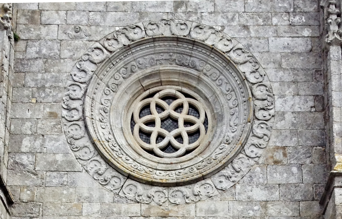Round window above the west door of Caminha parish church