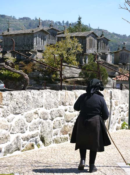 Old Soajo lady
