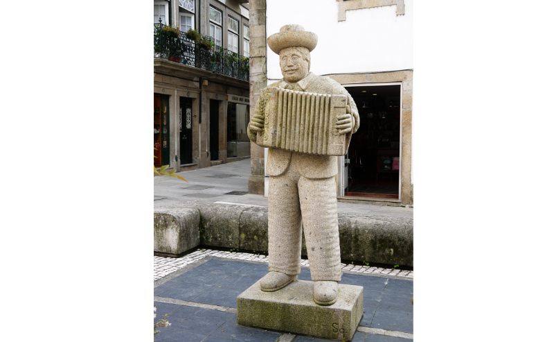 Stone accordion player in Ponte de Lima